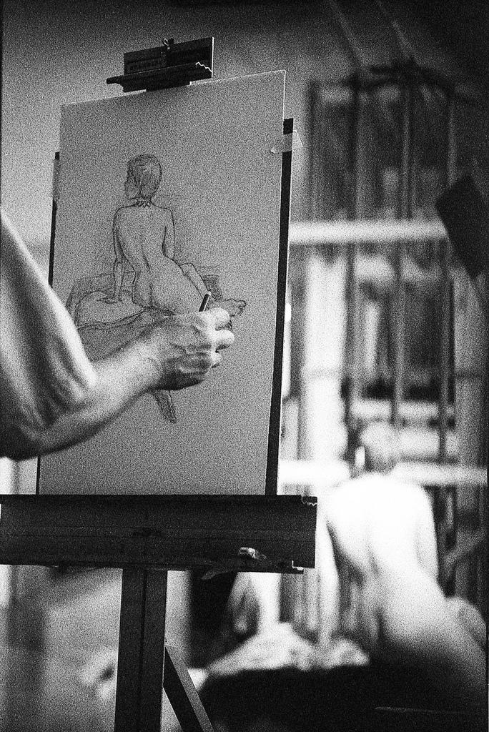 Frederick Figure Sam Drawing nude portrait painting ass butt b&w black and white film leica bokeh focus